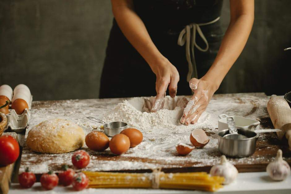 4 Essential Things for Your Online Baking Classes from Home