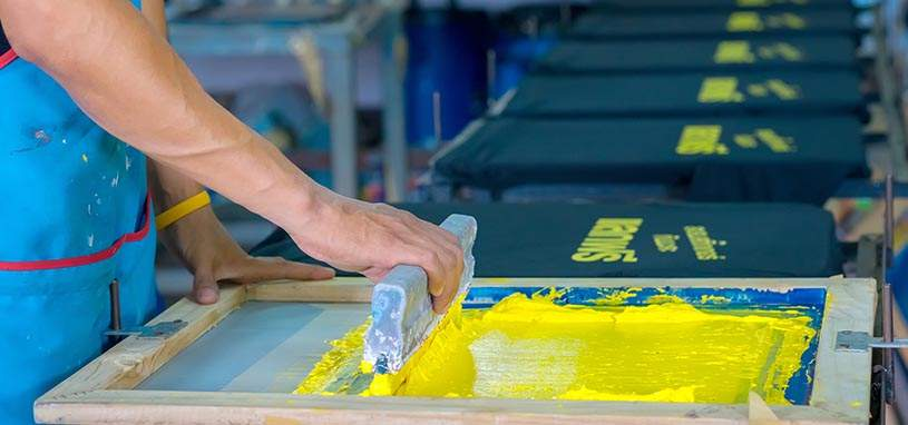 What Differentiates Screen Printing from Digital Printing?