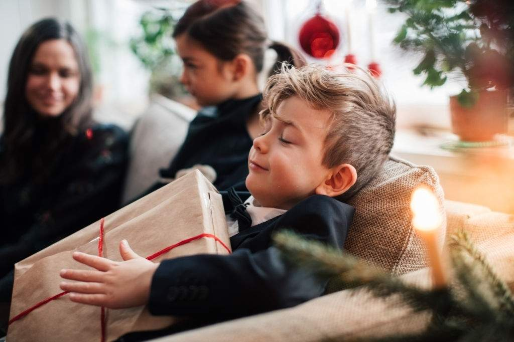 Useful Tips to Choose the Right Gift for Your Brother